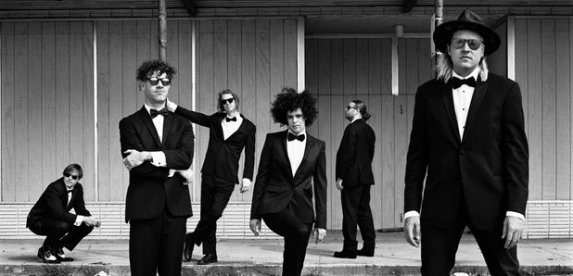 arcade-fire-2017-1486657745-article-0